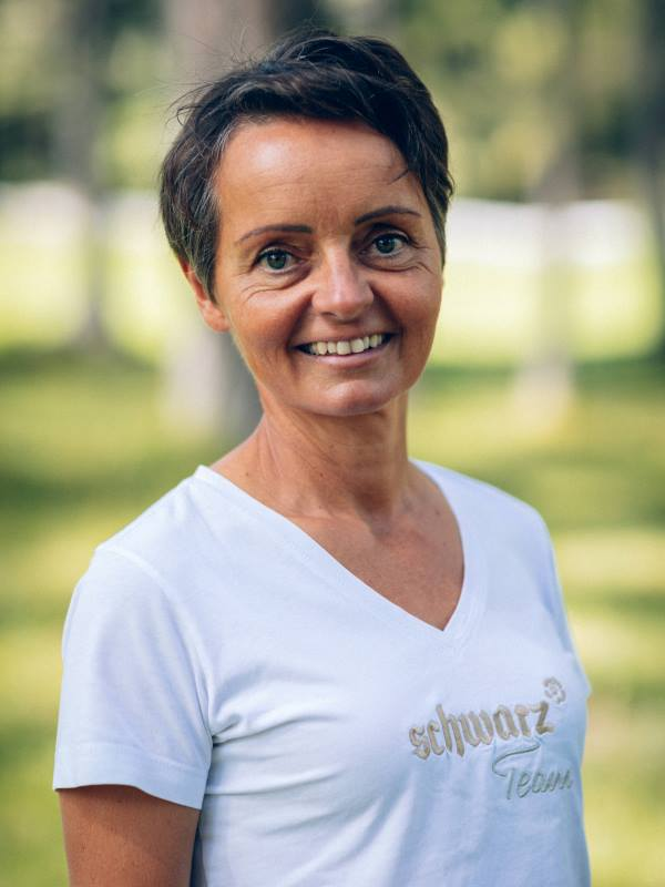 Barbara Uhl vom Schwarz beim Waldbaden